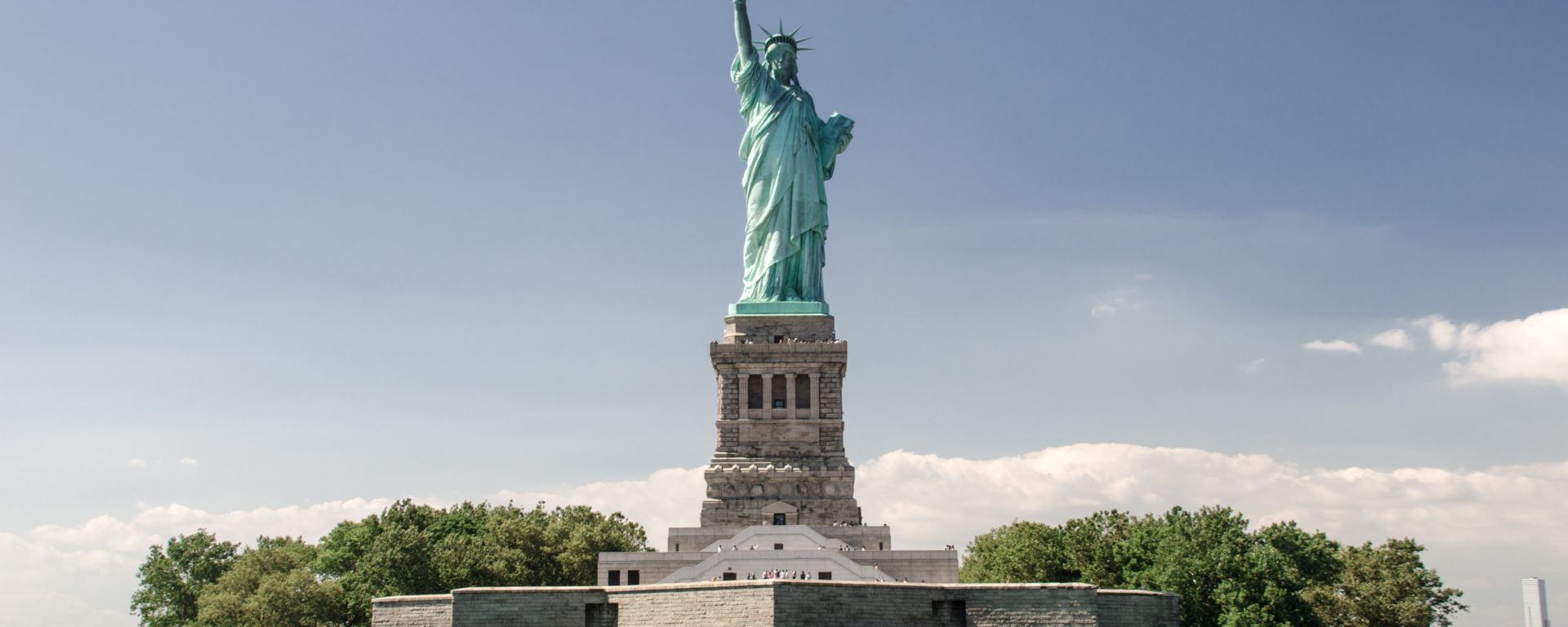 freiheitsstatue new york city liberty statue nmun StockSnap_LC4ZX2SRSV