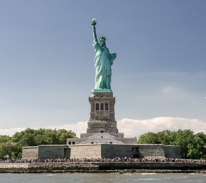 freiheitsstatue new york city liberty statue nmun StockSnap_LC4ZX2SRSV